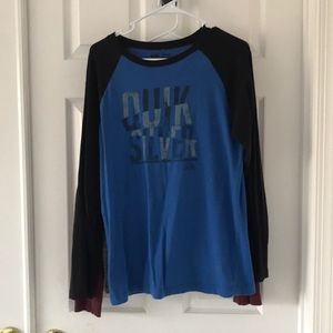2 XL Boys long sleeve t-shirts